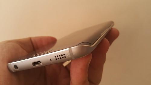ขอบจอโค้งของ Samsung Galaxy S6 edge