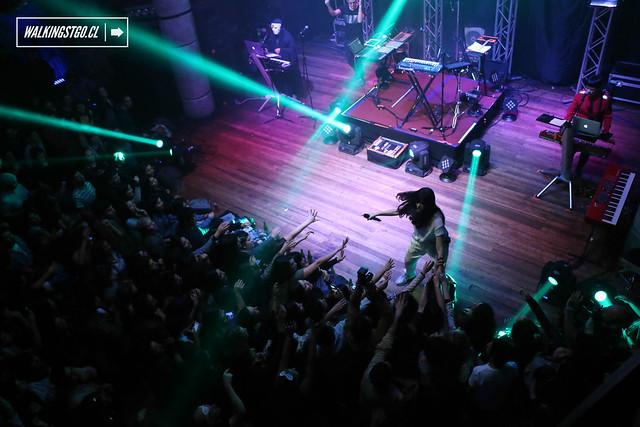 Javiera Mena en concierto en fiesta La Roma en la Ex Oz de Santiago, Review 13.06.2015