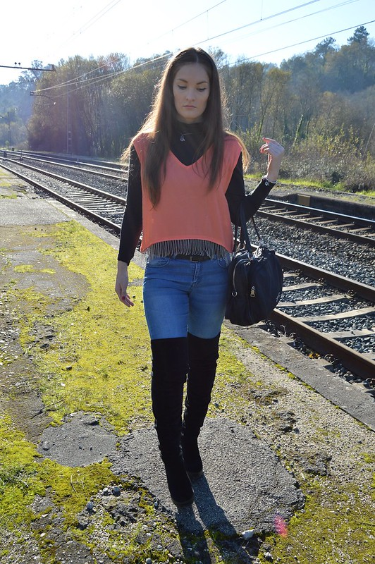 top-naranja-Infinitti-luz-tiene-un-blog (4)