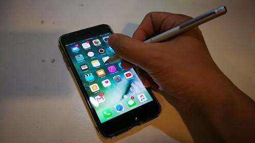 ใช้กับสมาร์ทโฟนที่เป็นหน้าจอ Capacitive ได้ทุกแบบ