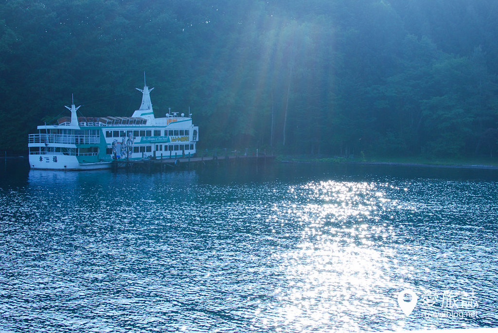 《北海道游船体验》洞爷湖观光游览船:悠闲游湖与足汤乐趣