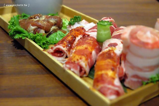 31525103691 17162c64e0 z - 滋滋咕嚕쩝쩝꿀꺽韓式烤肉專門店:藝人納豆開的韓式烤肉店(已歇業