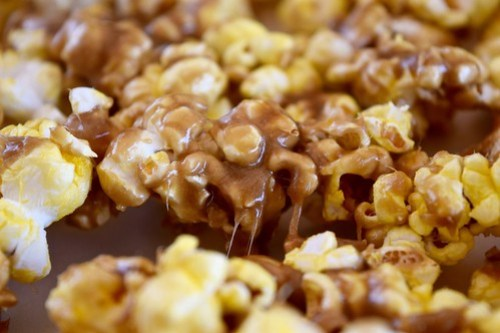gooey butterscotch caramel corn
