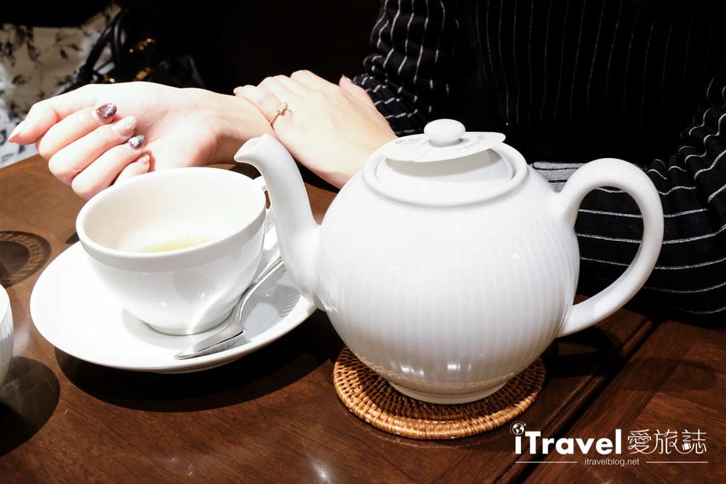 《东京下午茶推荐》HARBS水果千层蛋糕佐热呼呼果茶,鲜而不腻滋味让人再三回味