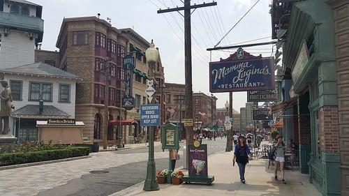 บรรยากาศภายใน Universal Studios จำลองบรรยากาศเมืองในสหรัฐอเมริกามาหลายที่
