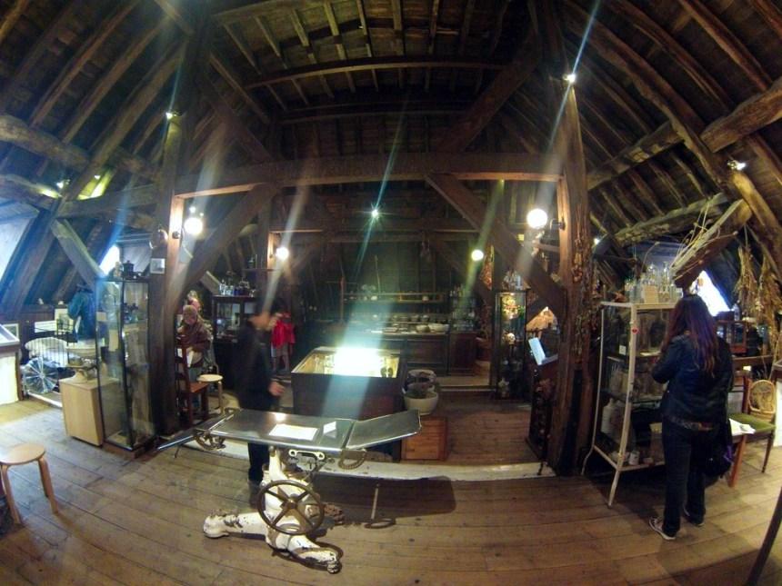 Interior del Herbolario y antiguo quirófano de la Torre de St. Thomas El antiguo quirófano escondido de Londres El antiguo quirófano escondido de Londres 20460008612 7156bdec62 o
