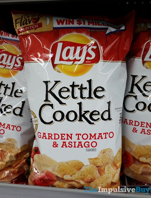 Lay's Kettle Cooked Garden Tomato & Asiago Potato Chips