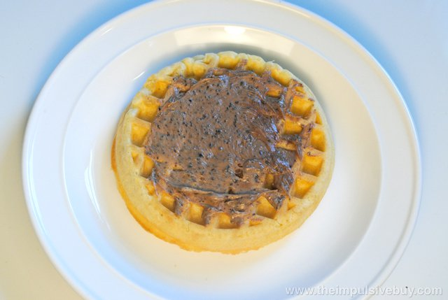 Jif Cookies 'n Cream Hazelnut Spread 4