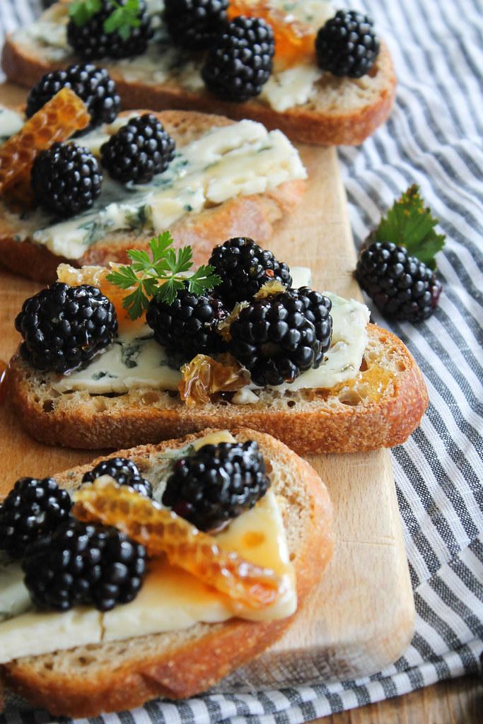 Tartines roquefort recette