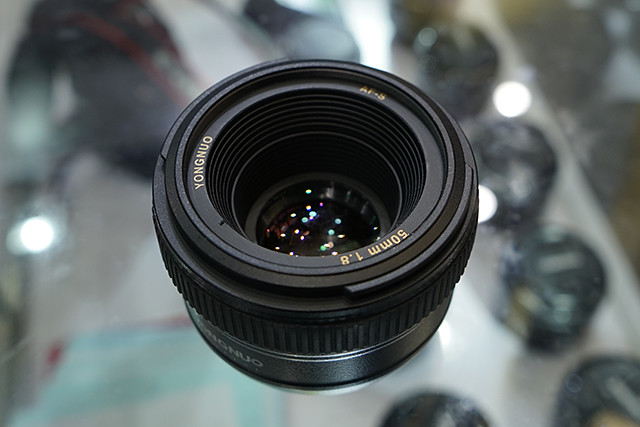 Yongnuo-AF-S-50mm-f1.8-lens-for-Nikon-F-mount