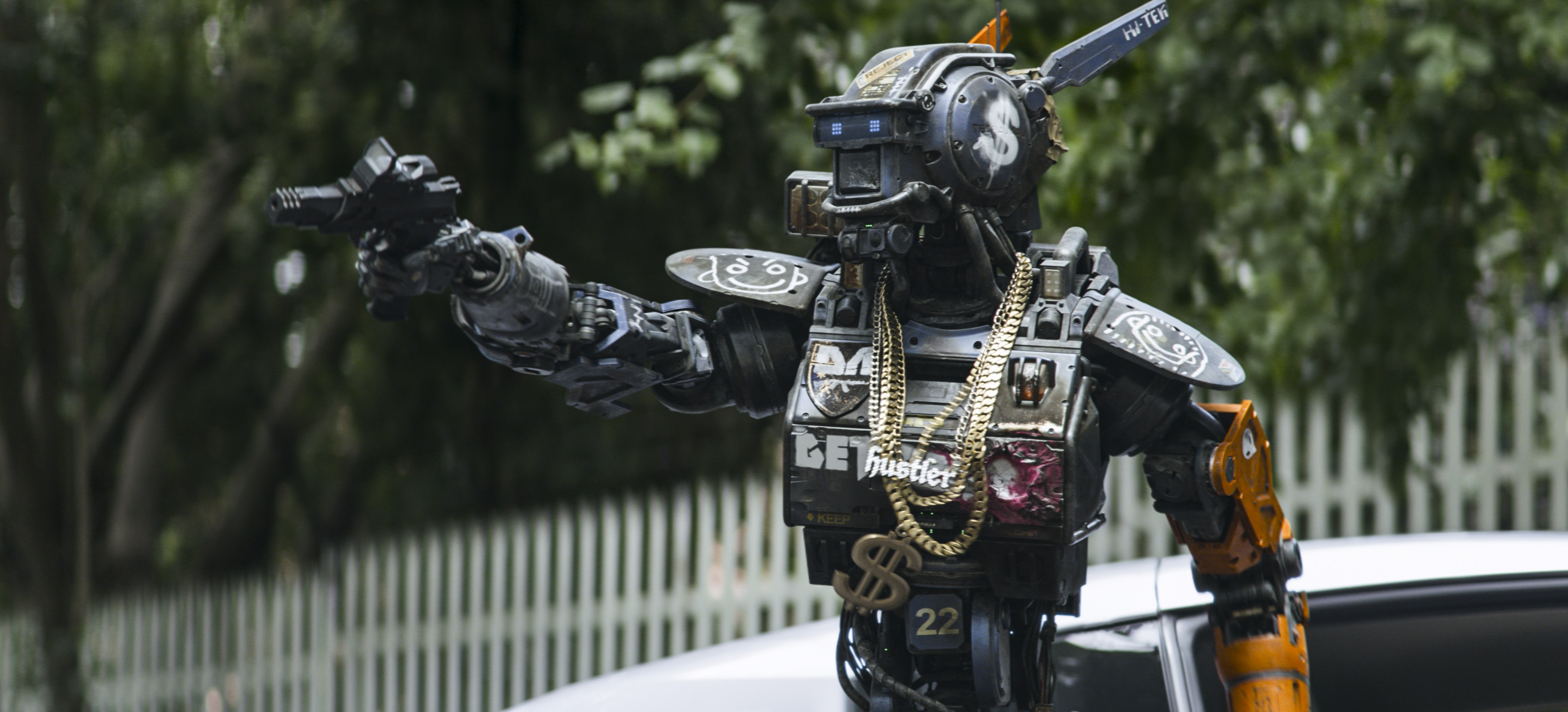 Chappie goes bling bling