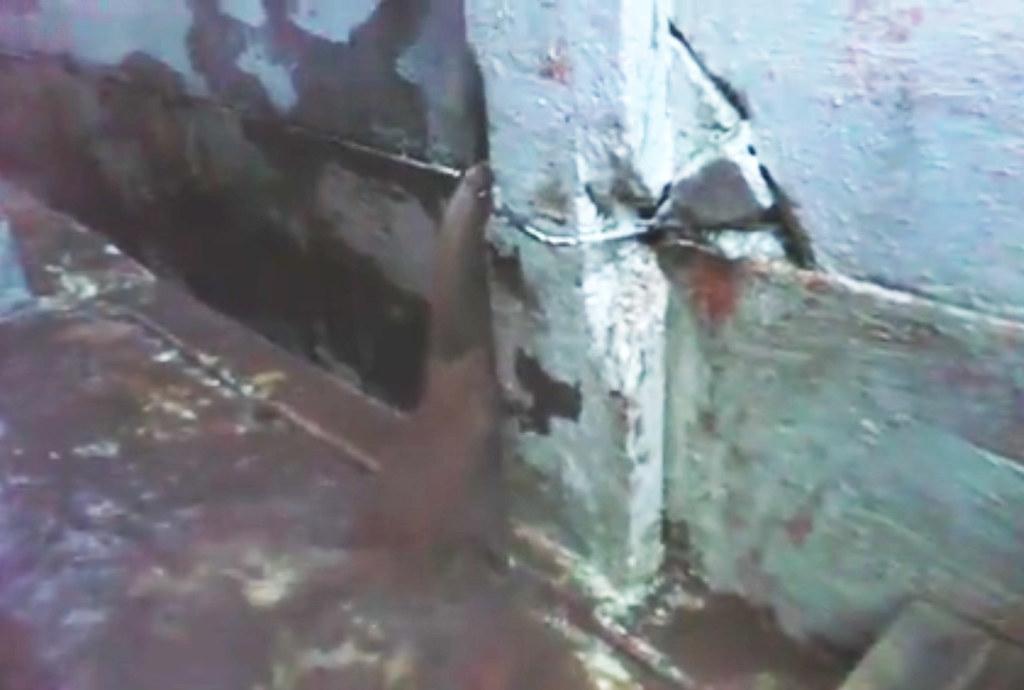 Aterro junto ao muro da APPA leva risco para casas na Vila Portuária 15