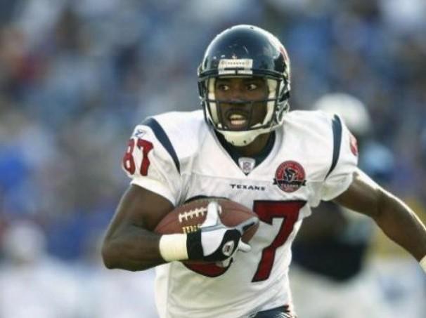Reanudan búsqueda de ex jugador de NFL; cayó en lago de Texas