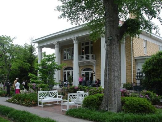 Blue Willow Inn, Social Circle GA