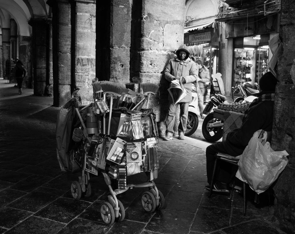 Imagen gratis de un carrito en blanco y negro