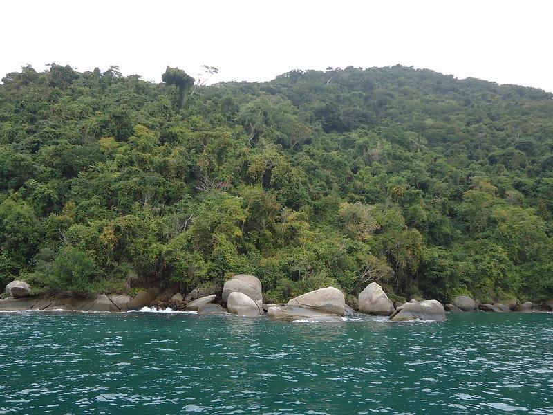 Bordeando en barco Ilha Grande
