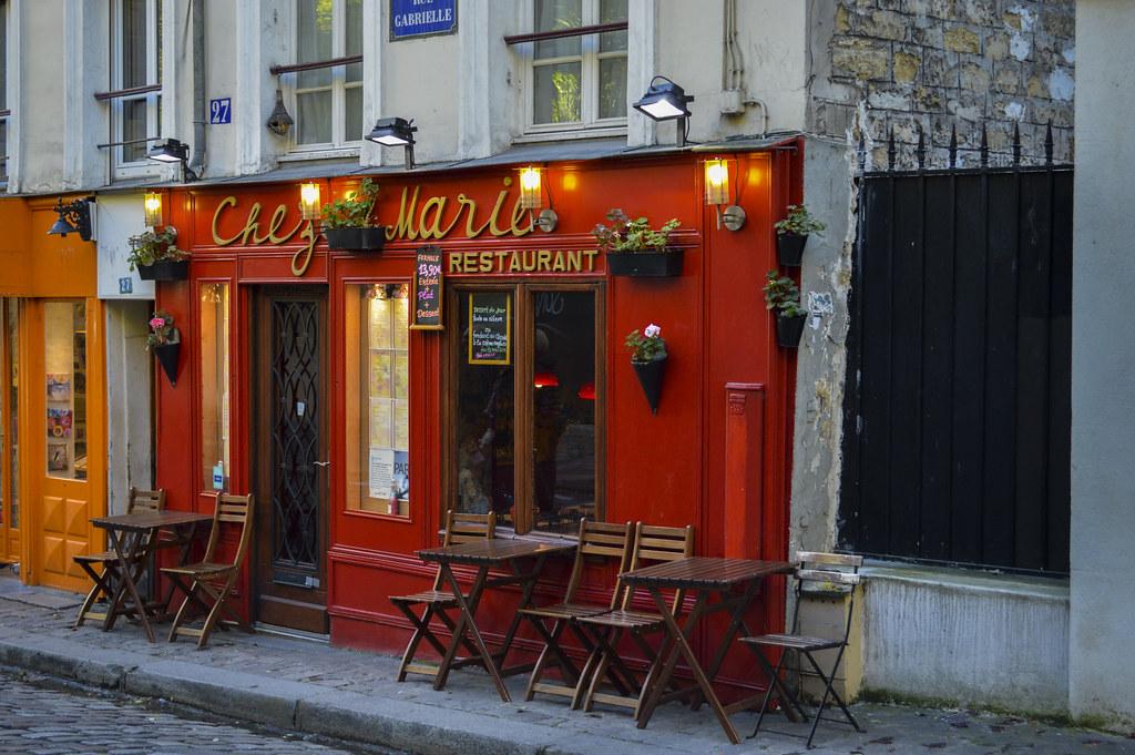 a little cafe in Paris