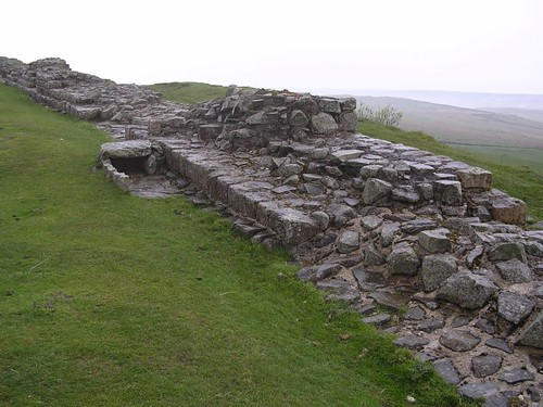 Curtain wall with a post-Roman cist