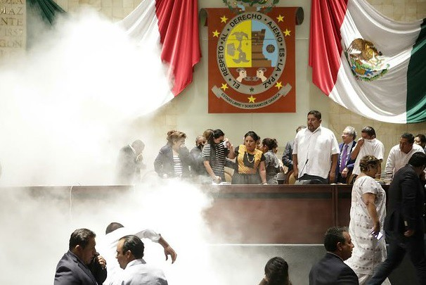 Desata trifulca debate de reforma política en Oaxaca