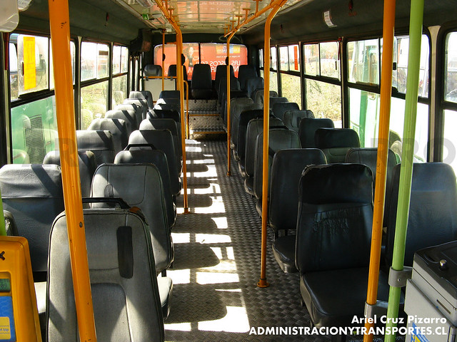 Transantiago - Comercial Nueva Milenio / Buses Vule - Cuatro Ases Metropolis / Mercedes Benz (VJ9618)