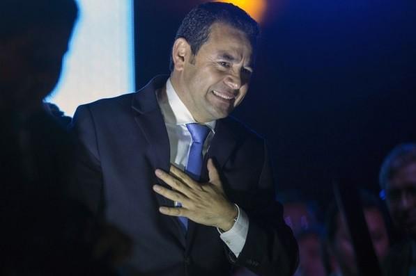 Felicita Peña Nieto al presidente electo de Guatemala