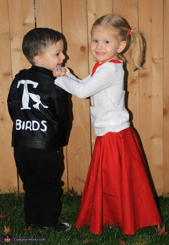 25 baby and toddler halloween costumes for siblings what a cute roundup of ideas