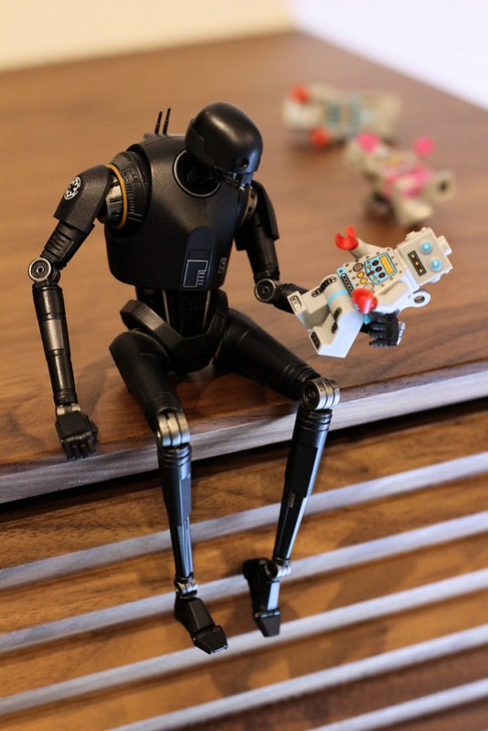 Do androids play with electric dolls ?