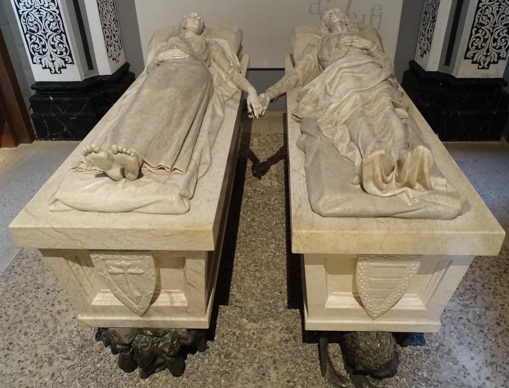 Teruel tumba de alabastro Mausoleo de los Amantes 12