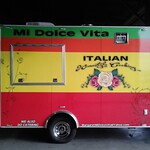 Mia Dolce food trailer