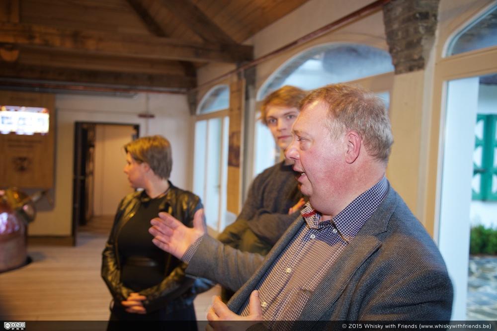 Een deskundige uitleg is nooit ver af. Geert De Bolle van The Whisky House hoeft daarvoor zelfs niet in zijn winkel te zijn!