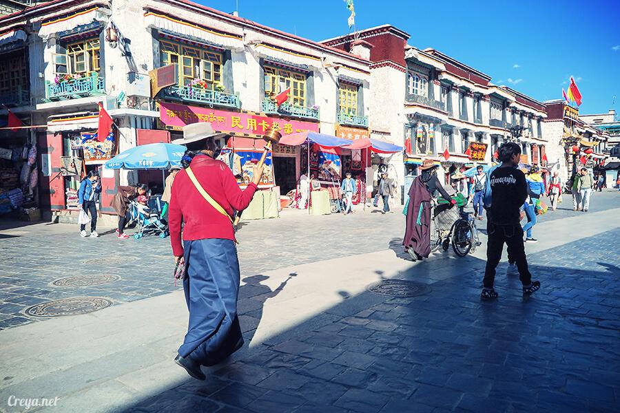 2015.12.09 | Tibet 西藏踢北去 | 尋找藏人真正的拉薩中心,被信仰力量震撼的大昭寺與舊城區 01.jpg
