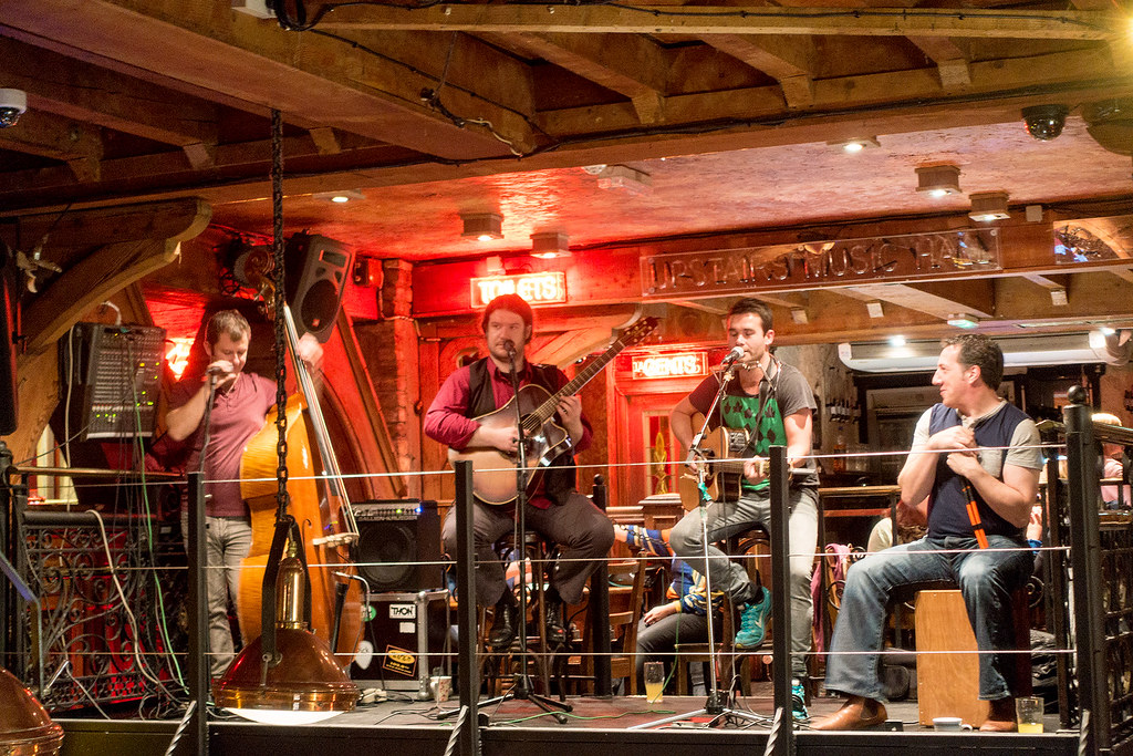 Live Music, Ireland - Ireland Travelasics Guide.