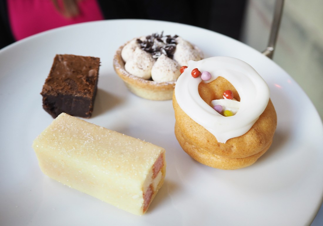 afternoon-tea-cakes-manchester-opus-one