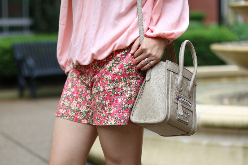 floral-shorts-taupe-crossbody-bag-4