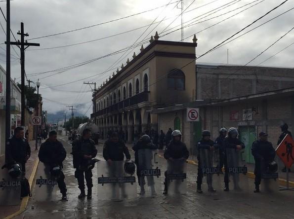 Más de 500 policías federales y estatales resguardan Ajalpan