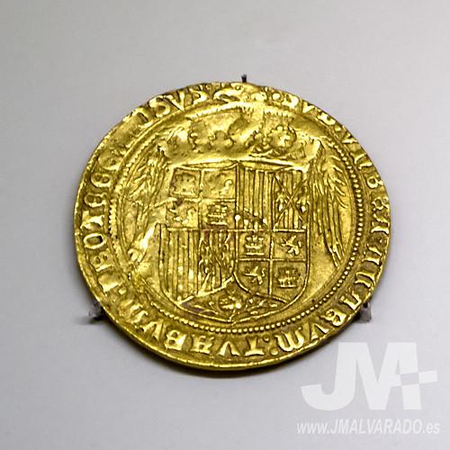 Moneda oro - Cuatro excelentes de los Reyes Católicos (Museo Arqueológico Nacional, Madrid)