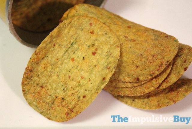 Pringles LOUD Mighty Margherita Pizza Crisps