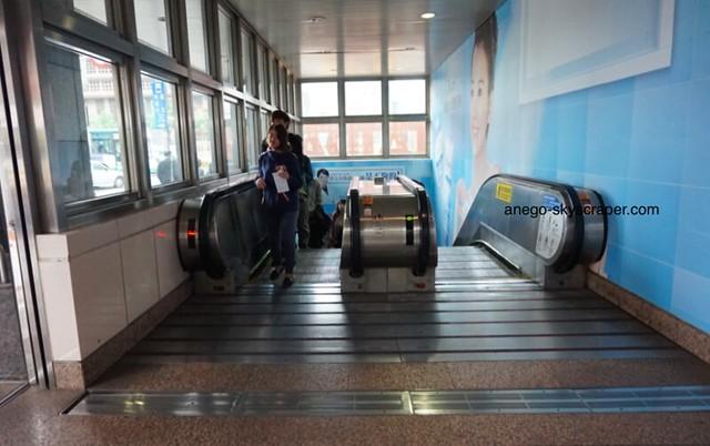 台北駅 M8