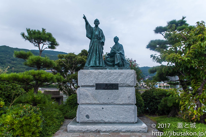 吉田金子像