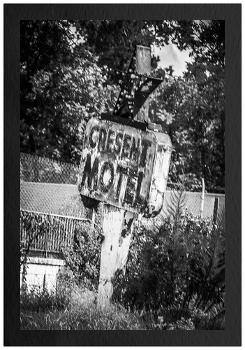 Crescent Motel B&W
