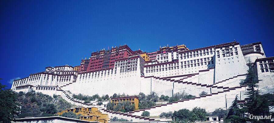2015.12.04  Tibet 西藏踢北去   藏人的精神殿堂布達拉宮,但或許不只我們高山反應沒精神…16.jpg