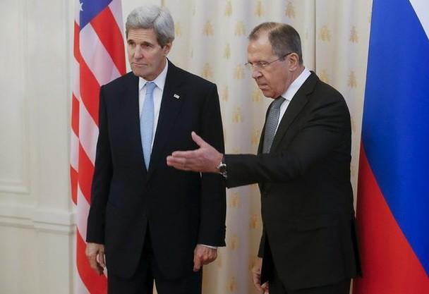 Putin y Kerry discuten sobre Siria en Moscú