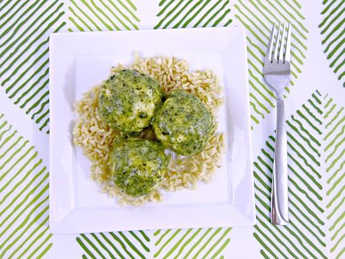 Pesto Mozzarella Chicken Meatballs