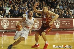 Reyer - Caserta: Daniele Cinciarini vs Michael Bramos