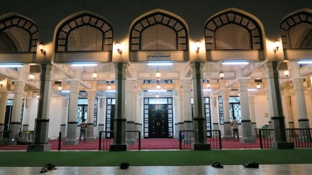 Masjid Khalifa Bin Zayed Al Awwal entrance