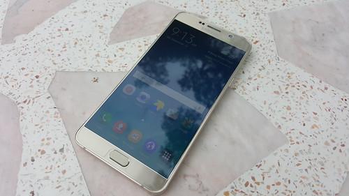 Samsung Galaxy Note 5 ด้านหน้า