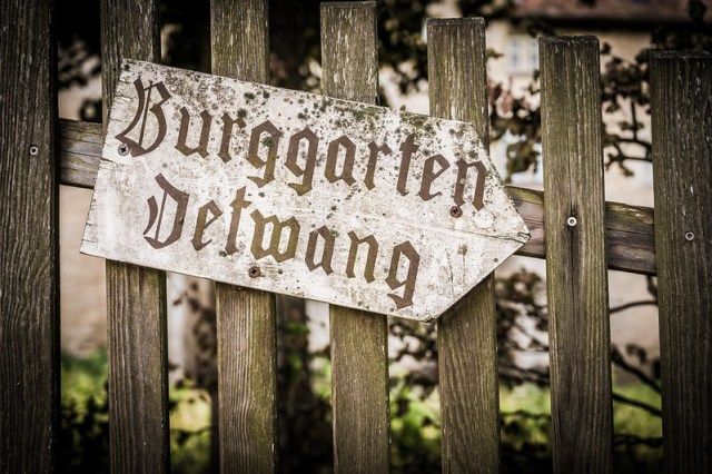 Burggarten This Way