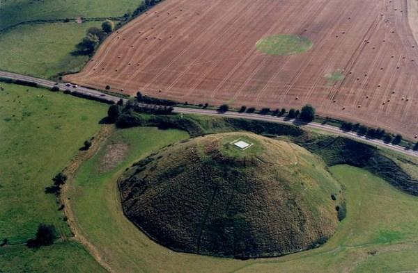 Silbury Hill, Wiltshire.