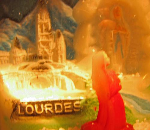 Lourdes Snow Globe