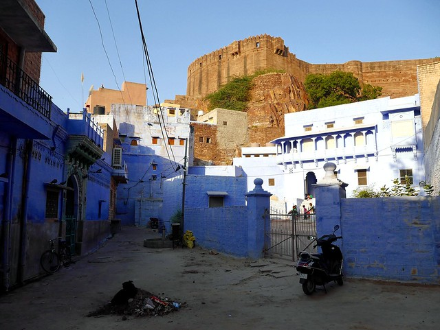 Houses of Blue beneath the Fort